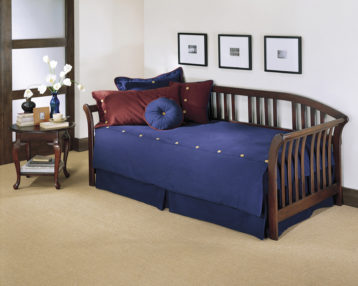 Salem Daybed mahogany finish